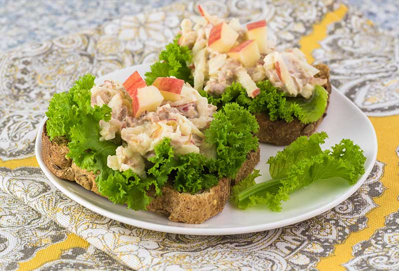 Fiber Filled Tuna & Apple Sandwich